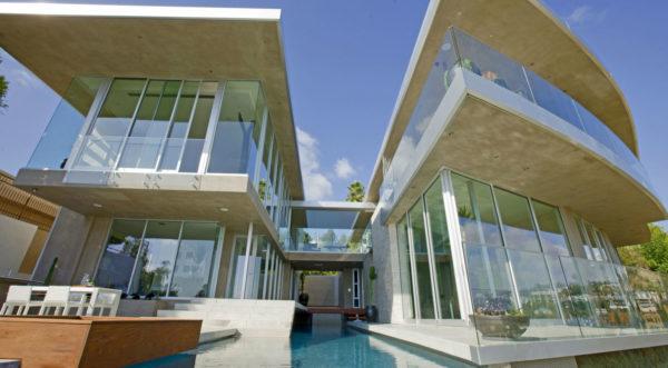 Blue Jay Way Residence - McClean Design